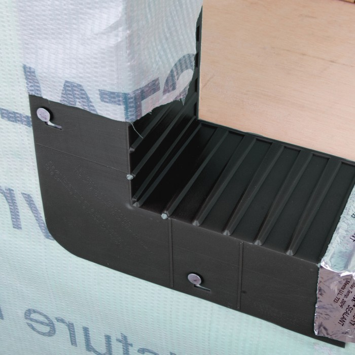 Back Rib Sill Pan